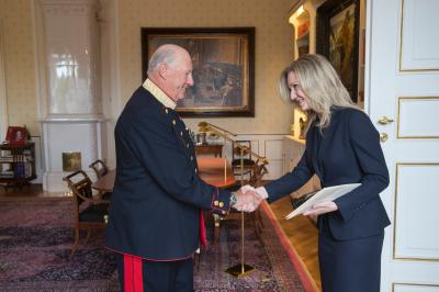 Ambassador Extraordinary and Plenipotentiary of the Slovak Republic to the Kingdom of Norway Ms Denisa Frelichová presented her credentials to the King Harald V. during the official ceremony at the Royal Palace on September 19, 2017.