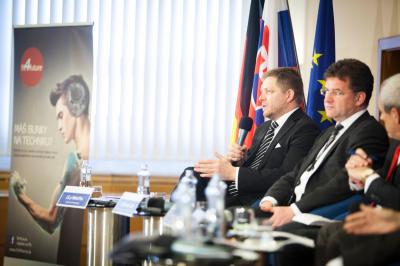 Minister Miroslav Lajčák and Prime Minister Robert Fico at the seminar with German investors in Slovakia.