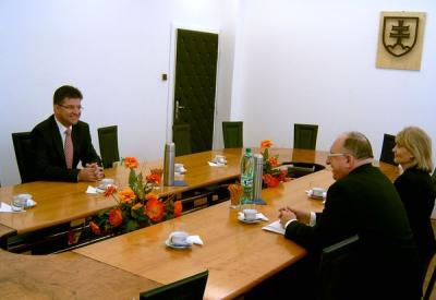 M. Lajčák joins students of the Economics University to discuss foreign policy