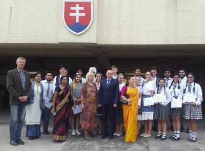 Visiting teachers and students at the Embassy of the Slovak Republic in New Delhi.