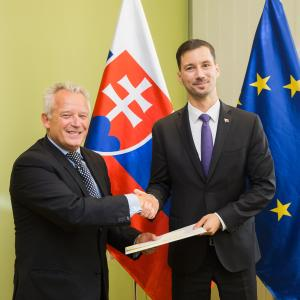 New Ambassador of Montenegro presents copies of his credentials